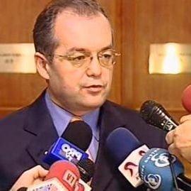 Sindicatele fierb, Boc transpira, Basescu trage linie