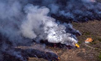 """Singura casă care a scăpat miraculos de lava vulcanului ce a cuprins insula La Palma: """"Am plâns când le-am spus că este intactă"""""""