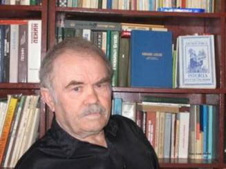 Singurul poet roman din Kazahstan, decorat de presedintele Traian Basescu