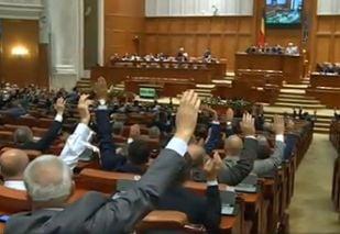 Sistemul de vot electronic de la Camera e blocat din februarie, desi s-au investit in el peste 2 milioane de lei. Ce au de ascuns deputatii?