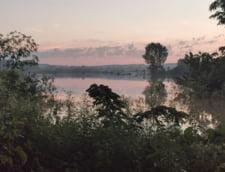 Situatia este in continuare periculoasa pe raul Prut: Cod rosu de inundatii, pentru sectorul Oroftiana - Stanca Costesti, pana duminica la pranz