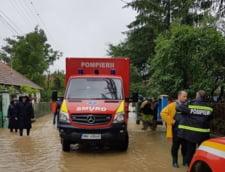 Situatia traficului: Ce drumuri mai sunt inchise duminica dimineata, din cauza inundatiilor