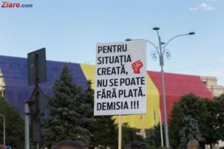 Situatie critica in cultura. Artistii romani au protestat in Piata Victoriei fata de taierile bugetare
