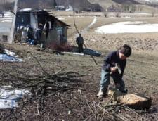 Situatie grava: Tot mai multi copii romani au parinti plecati la munca in strainatate