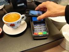 Smartphone-ul bate portofelul. Samsung vrea s-o ia inaintea Apple si Google