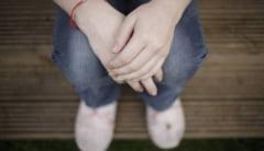 Socant: a facut un copil cu tatal vitreg care a violat-o ani buni!