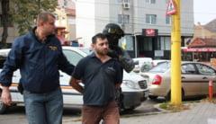 Socant: si-a folosit fiul de 5 ani ca scut, sa nu fie impuscat de politisti!