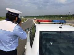 Sofer prins conducand cu 219 kilometri la ora in judetul Buzau. Barbatul tocmai isi cumparase un Porsche de 400 de cai putere