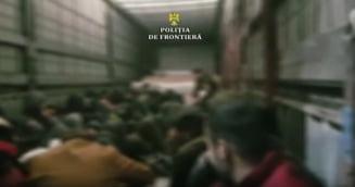 Sofer roman de TIR prins cu 48 de migranti in remorca, la Vama Nadlac (Video)