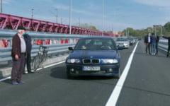 Soferii pot circula din nou pe podul de la Vadu Pasii, dupa 16 ani de la inchiderea traficului VIDEO