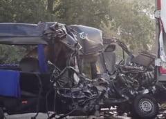Soferul microbuzului implicat in accidentul grav din Ungaria ar fi adormit la volan. Care este starea romanilor raniti
