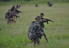 Soldatii romani, trimisi pe front cu dezinfectanti Hexi Pharma: Armata americana le sare in ajutor (Video)