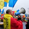 Solicitarile protestatarilor din alte tari versus ale celor din Romania. Manifestantii romani nu vor masca si vaccin, iar francezii cer redeschiderea teatrelor