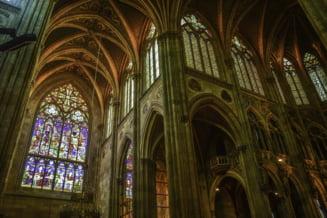 Solidaritate in fata terorismului: Musulmani la slujba de duminica in biserici din Franta si Italia