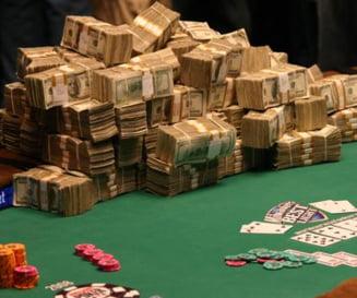 Solutia la criza financiara sta intr-un joc de poker