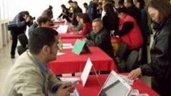 Somerii din Salaj se duc la firme sa obtina negatie, sa poata primi banii de la AJOFM