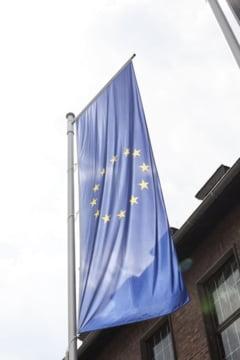 Sondaj: 64% dintre romani considera ca UE ar trebui sa dispuna de mai multe fonduri pentru a depasi consecintele pandemiei