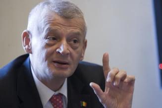 Sorin Oprescu: Aproape 13.000 de medici au parasit Romania in ultimii patru ani