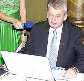 Sorin Oprescu, boicotat pe Internet