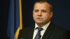 Sotia fostului ministru Botis castiga mai mult decat acesta