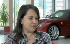 Sotia ministrului Bazac vinde 40 de masini Ferrari