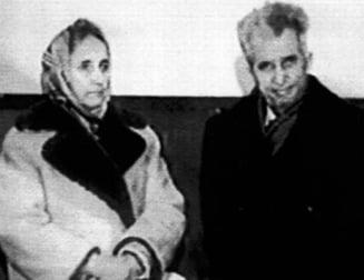Sotii Ceausescu au fost deshumati