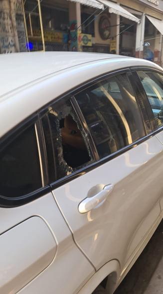 """Spargeri auto în serie reclamate de români aflați în Grecia: """"Poliția a venit după 3 ore și nu a făcut nimic"""""""