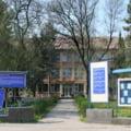 Spatii de carantinare pentru zeci de migranti asiatici la Liceul CFR din Timisoara. Oamenii au intrat in Romania din Serbia