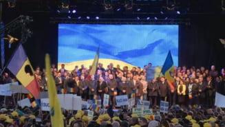 Spectacol la mitingul PNL: Tanara generatie, intre lacrimile lui Falca si momentul de sinceritate al lui Ciolos