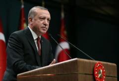 Speriat de devalorizarea lirei, Erdogan le cere turcilor sa renunte la euro si dolari