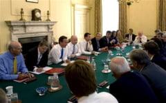 Spionajul baga frica in Marea Britanie - Interzis la tabletele iPad in sedintele de Guvern