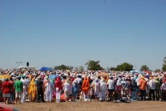 Spirala MISA la malul marii: cinci mii de yoghini mediteaza la Costinesti
