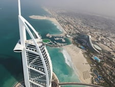 Sport la inaltime, pe hotelul de lux Burj Al Arab (Galerie foto)