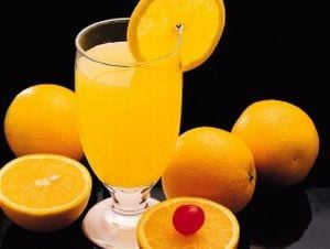Spot TV cu o reclama la suc de portocale, interzis de CNA