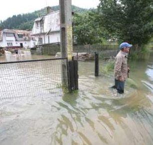 Stare de alerta de inundatii - 22 de morti, 7.000 de evacuati