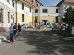 Starea jalnica a spitalelor romanesti: mai mult de jumatate functioneaza in cladiri vechi de peste 50 de ani. In cat timp ar putea fi puse pe picioare
