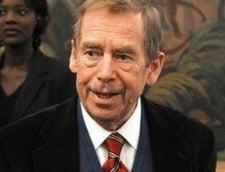 Starea lui Vaclav Havel s-a imbunatatit, dar este in continuare grava