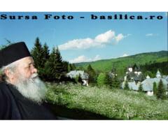 Staretul Manastirii Sihastria, parintele Victorin Oanele, a trecut la Domnul