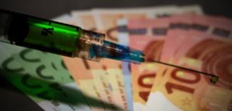 """Statele Unite, in favoarea suspendarii brevetelor de inventie pentru vaccinurile anti-COVID. Seful OMS a salutat """"decizia istorica"""" a SUA"""