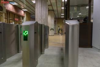 Statia de metrou din Piata Victoriei a fost redeschisa, in zona aerul e irespirabil Update