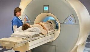 Statistica alarmanta: 4 din 10 persoane se imbolnavesc de cancer