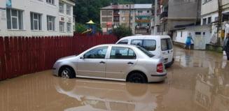 Statiunea Slanic Moldova, inundata - FOTO
