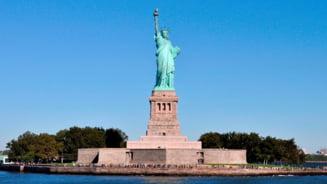 Statuia Libertatii a fost inchisa, dupa ce administratia SUA a ramas fara bani: Simbolul libertatii se adanceste in intuneric