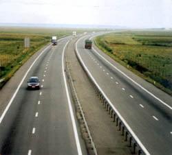 Statul da 263 de milioane lei pentru modernizarea a 100 de km de drum