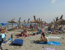 Statul roman a dat sute de milioane de euro pe concediile si excursiile bugetarilor, studentilor si pensionarilor