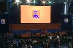 Statutul PDL a fost modificat la Conventie: Fostii presedinti vor face parte din conducere