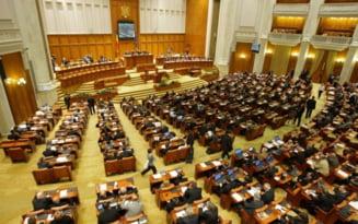 Statutul parlamentarilor, neconstitutional - Sesizarea lui Basescu, aprobata de CCR