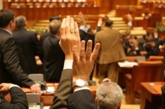 Statutul parlamentarilor a fost adoptat - vezi ce modificari au fost facute