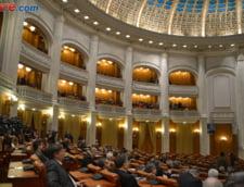 Statutul senatorilor si deputatilor, modificat - pus in concordanta cu cerintele CCR