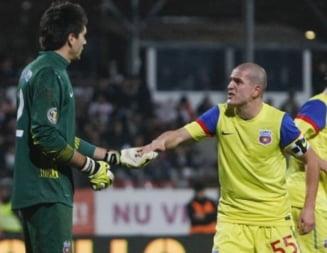 Steaua vinde doi jucatori de baza